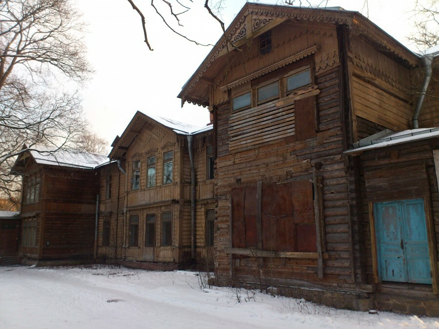 wooden building of the 19th century, psychiatric hospital Skvortsova-Stepanova